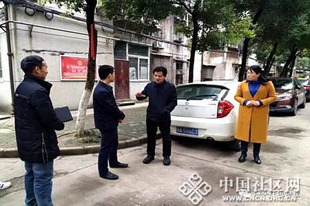 """区委常委组织部长陈革鸿调研洲头街""""红色物"""