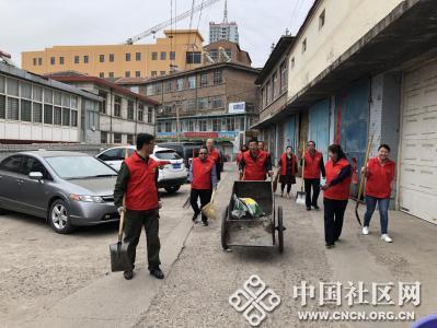 红楼社区开展在职党员进社区服务活动