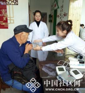 凌武社区与胜利街卫生服务中心联合开展义诊